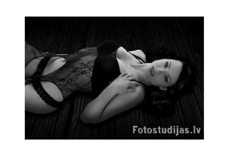 Šim attēlam ir tukšs alt atribūts; faila nosaukums ir Erotiska-fotosesija-10_fotostudija.jpg